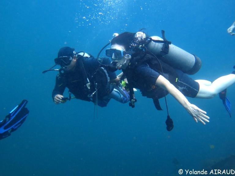 Agnés découvre la plongée