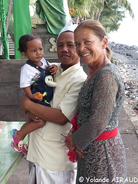 Lucie en habit Balinais